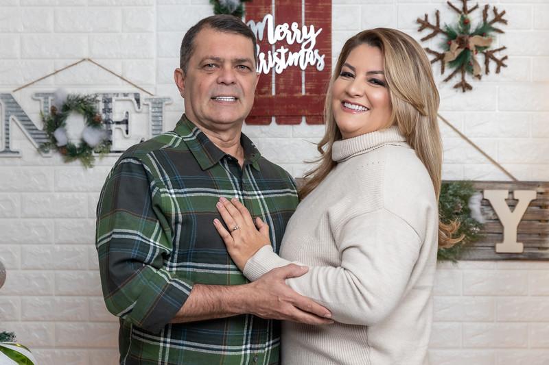 12.18.19 - Vanessa's Christmas Photo Session 2019 - 8.jpg