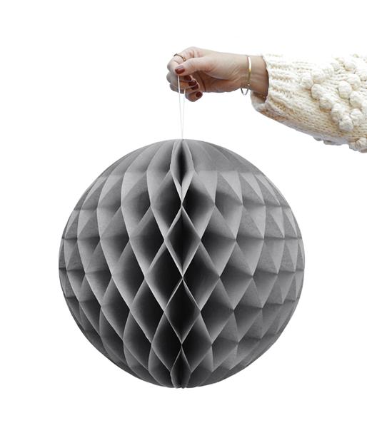 DD.57.17.1 gray honeycomb balls.png