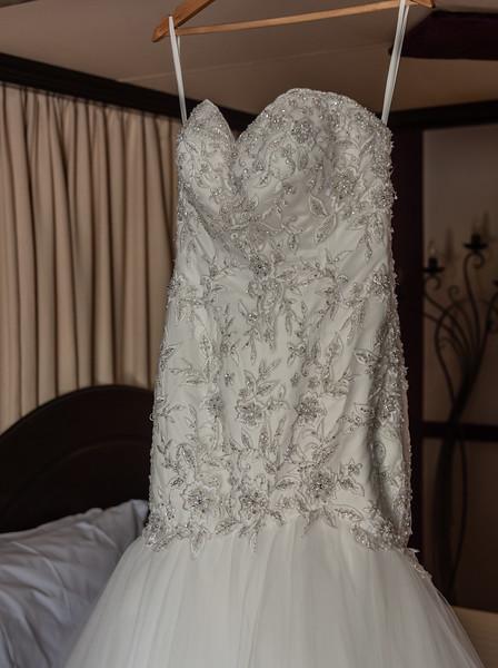 01 Bridal Prep-11.jpg