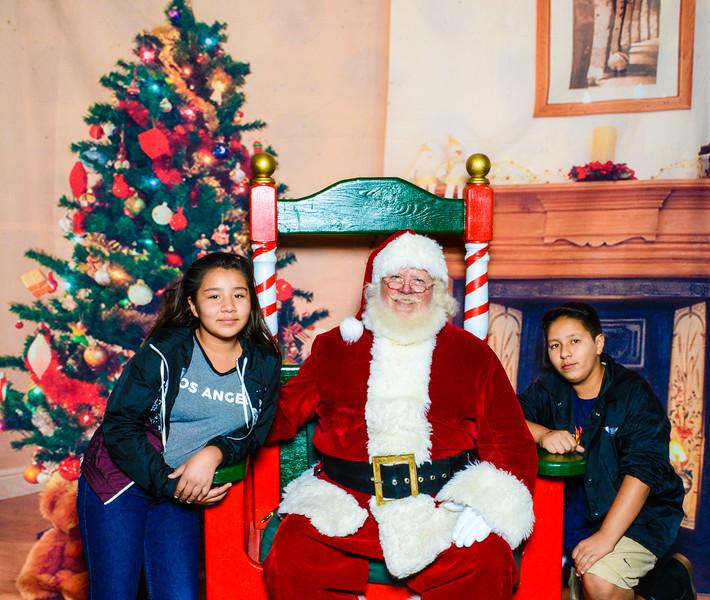 Santa Elmore 2016-12210.jpg