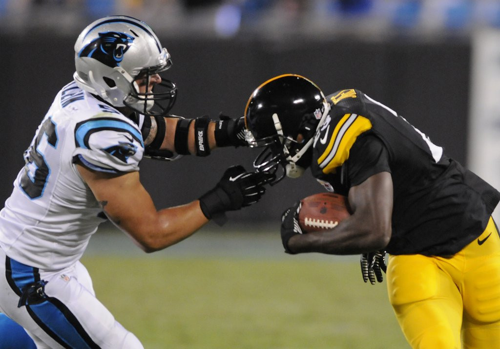 . <p><b> Titans at Steelers (-7):</b>  <p>Steelers are so short at running back, they made a trade to bring in Felix Jones from Inert State. <p>Pick: <b>Steelers by 3</b> <p>    (AP Photo/Mike McCarn)