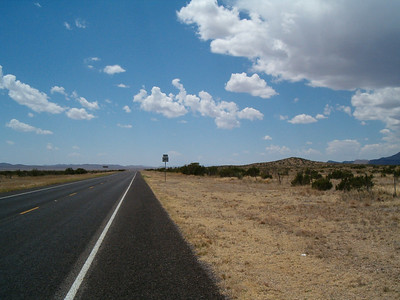 385 30 miles s of ft stockton 4/12/06