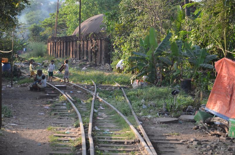 DSC_5111-kids-on-railway-track.JPG