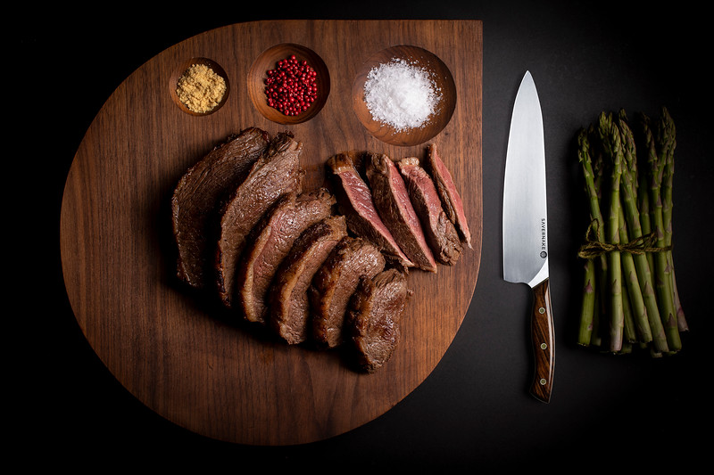 Picanha Meat cut with knife_s.jpg