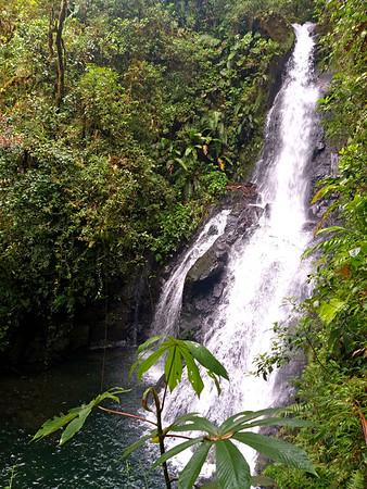 The Silence Waterfall  --  Catarata El Silencio