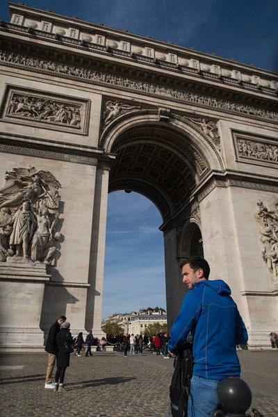 paris arch de triomphe (1).JPG