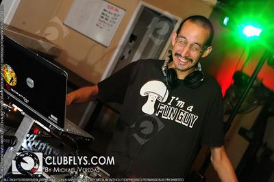 2009-06-13 [Saturday Night, Reps Sports Bar, Fresno, CA]