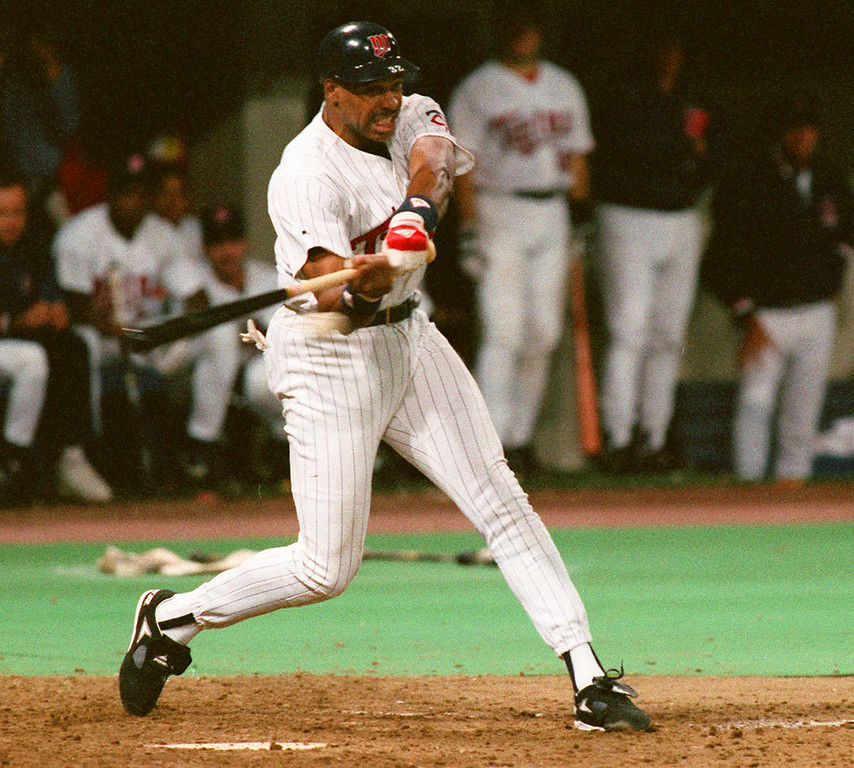 . Minnesota\'s  Dave Winfield singles to left for his 3,000th career hit in a game against the Oaklands A\'s at the Metrodome in Minneapolis on September 17, 1993. (AP Photo/Jon Hick)