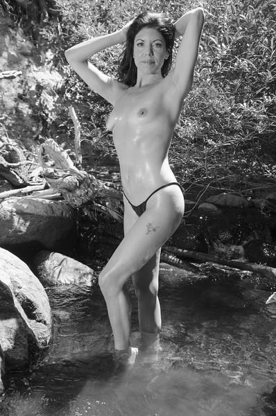 topless blk g.jpg