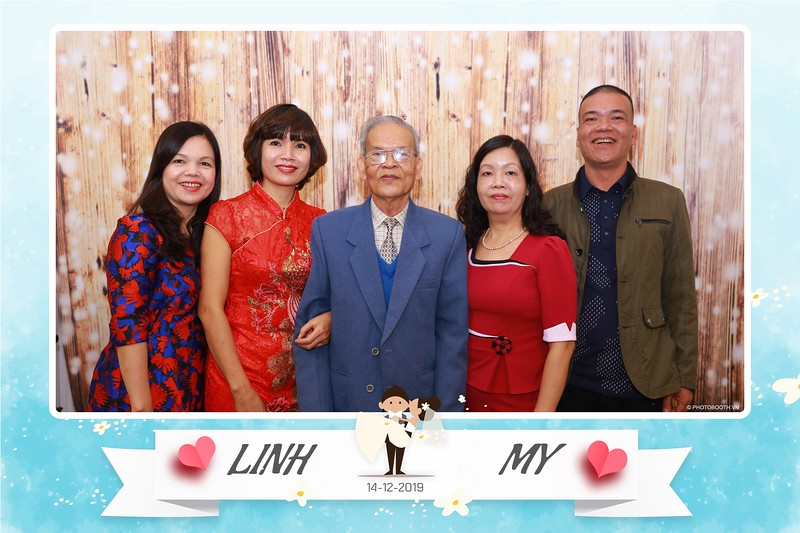 Linh-My-wedding-instant-print-photo-booth-in-Ha-Noi-Chup-anh-in-hnh-lay-ngay-Tiec-cuoi-tai-Ha-noi-WefieBox-photobooth-hanoi-104.jpg