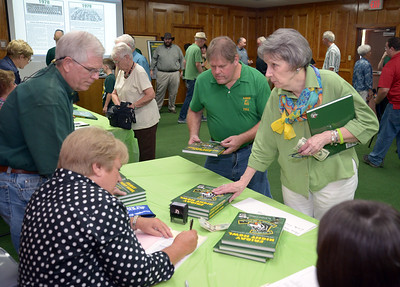 cothams-longview-football-book-comes-to-fruition