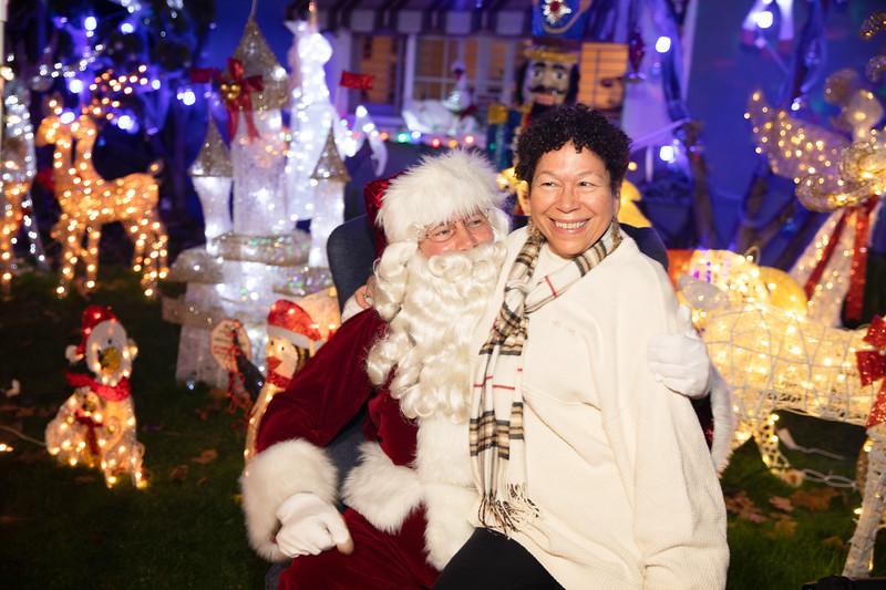 12-08-19-Christmas With Chris & Family-54.jpg