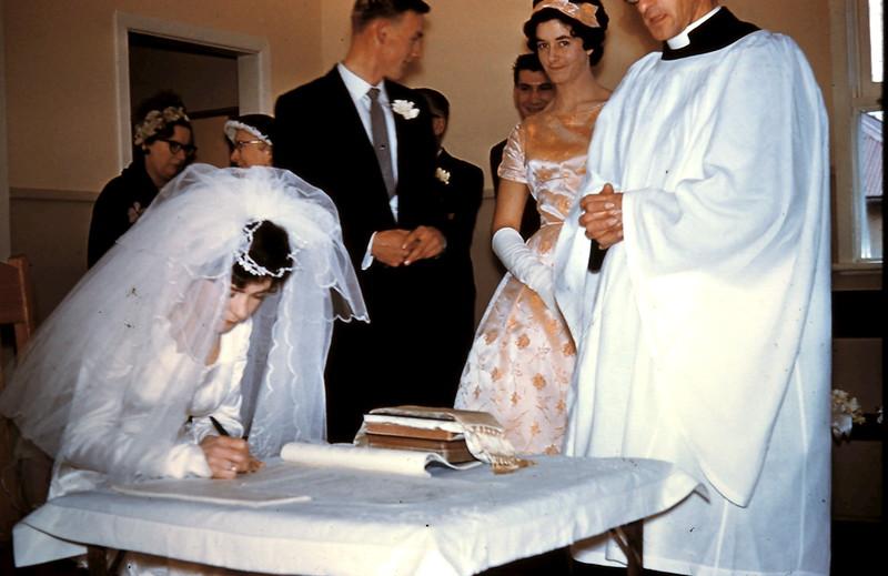 1961-8-19 (18b) 2 Mums behind Graham, Nigel behind Elaine & Rev Read.JPG