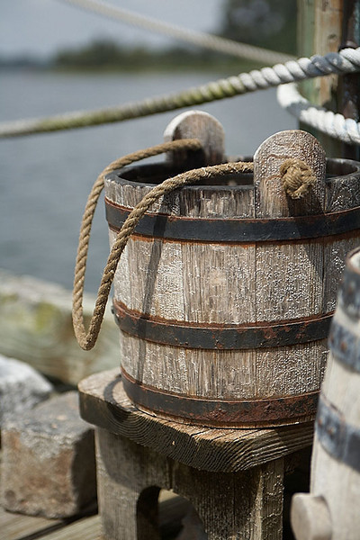 An old fashioned bucket - no plastic to be found.