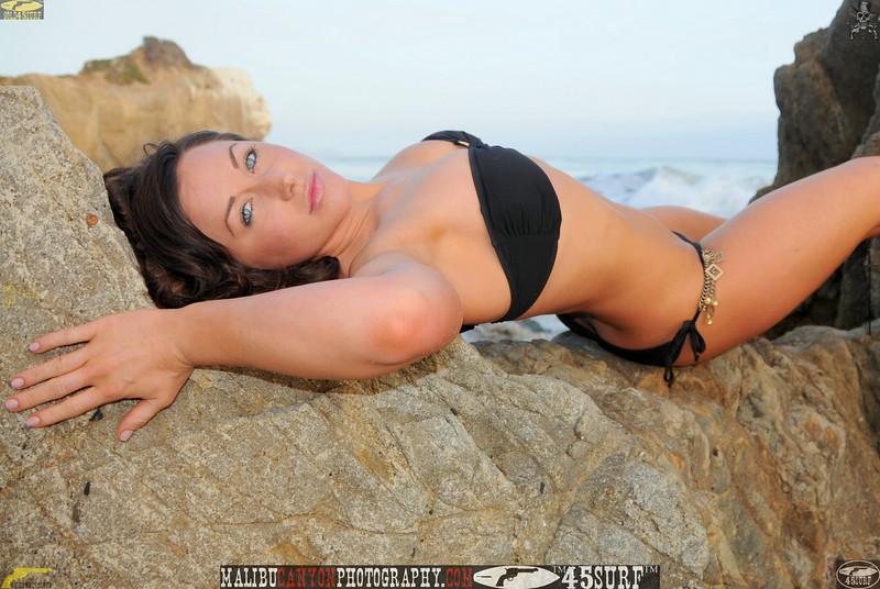 ,,0,,,malibu swimsuit model matador 45surf beautiful woman 780.jpg