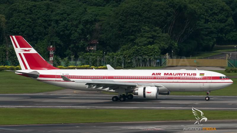 Air Mauritius_A332_3B_NBM_SIN_20091114_0010736_AM.jpg