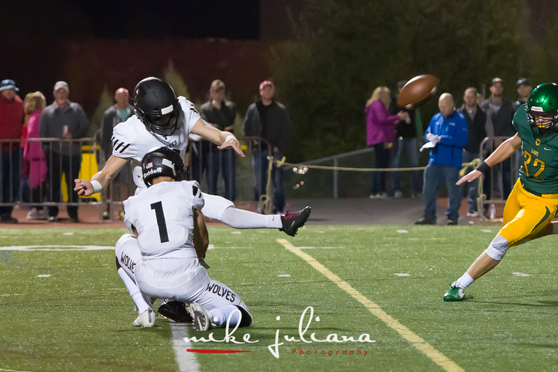 20181012-Tualatin Football vs West Linn-0104.jpg