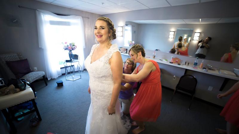 Laura & AJ Wedding (0135).jpg