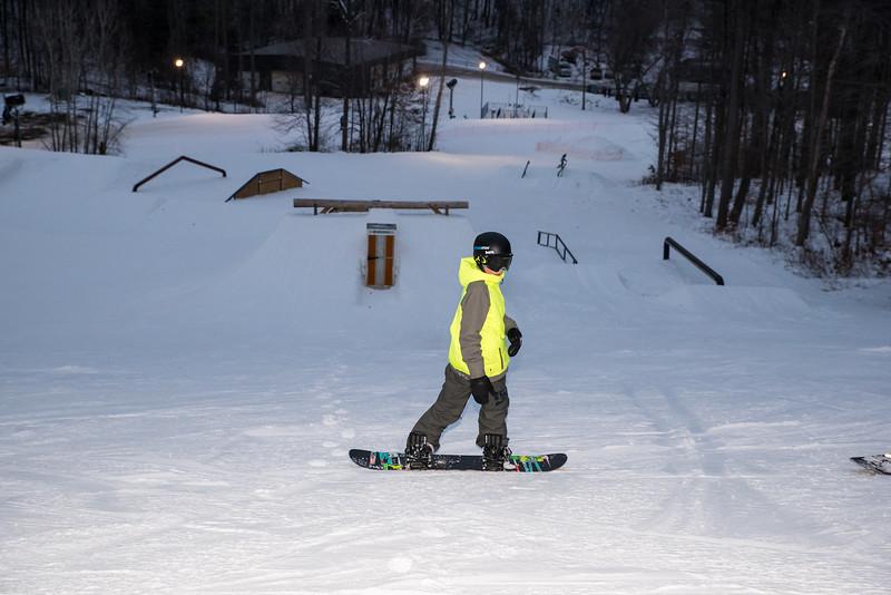 The-Woods_Snow-Trails-Mansfield-Ohio-8612.jpg