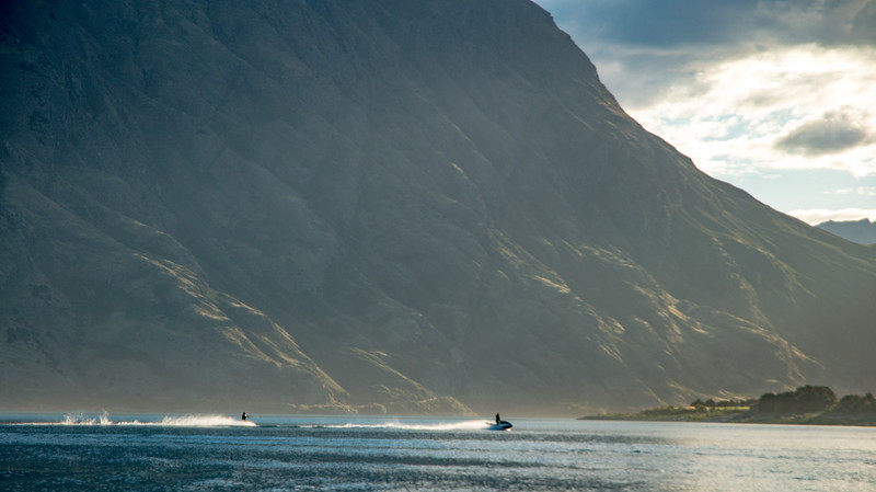 jet ski on hawea 2-3.jpg