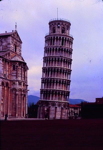 1965 02 Italy Pisa.jpg