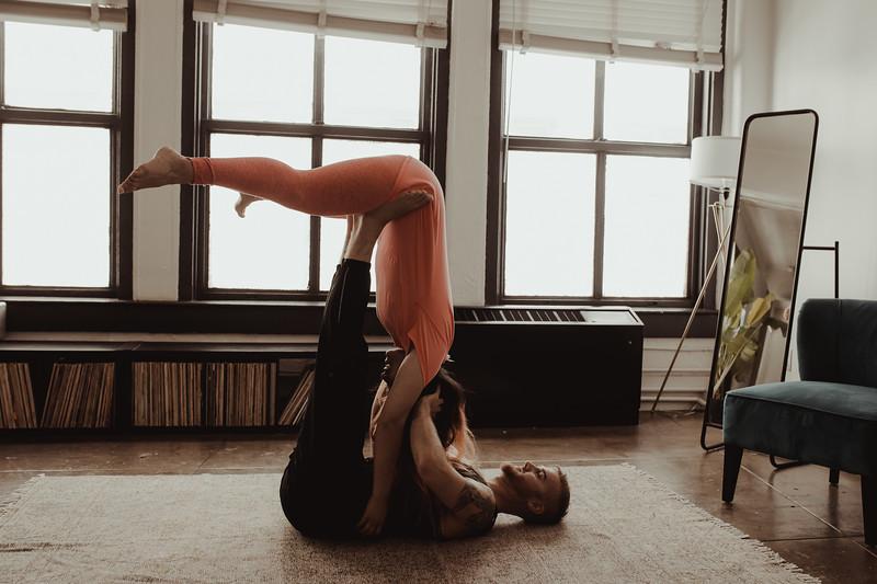 Jenny_Rolapp_Photography_partner_yoga-6.jpg