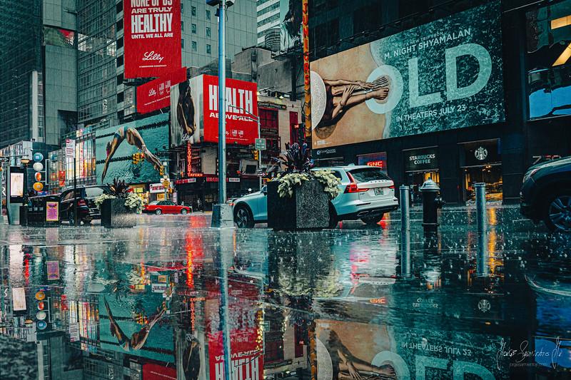 jorge-sarmiento-video-photography-nyc-rain-reflection.jpg