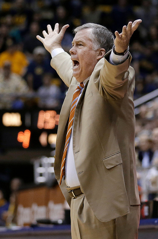 . California coach Mike Montgomery gestures during the first half of an NCAA college basketball game against Colorado in Berkeley, Calif., Saturday, March 2, 2013. California won 62-46. (AP Photo/Jeff Chiu)