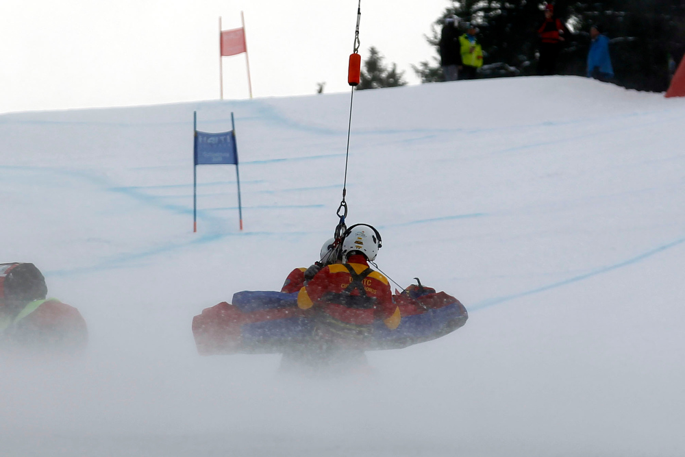 . Lindsey Vonn of the USA is helicoptered off the course during the Audi FIS Alpine Ski World Championships Women\'s SuperG on February 05, 2013 in Schladming, Austria. (Photo by Christophe Pallot/Agence Zoom/Getty Images)