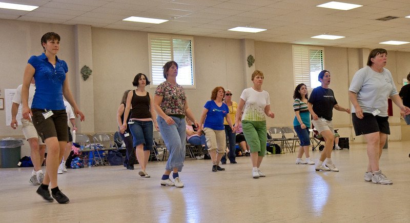 5579 Dancers med.jpg