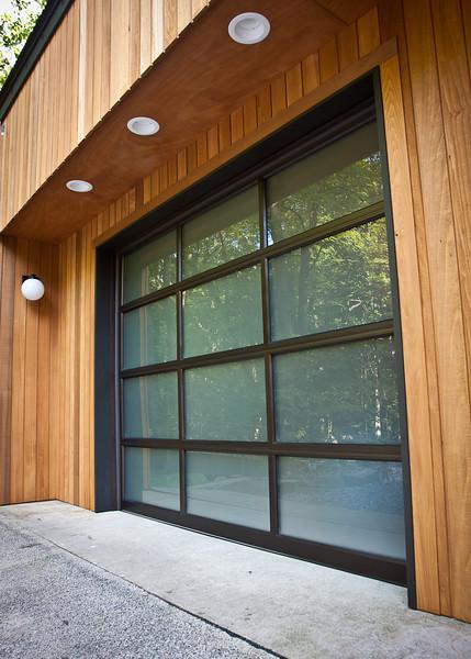 Garage with new Door-0816-4831.jpg
