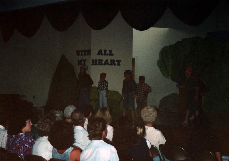 1991_Spring_Orlando_Amelia_birthday_some_TN_0005_a.jpg