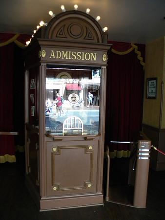 Disney Discourse - Disneyland Trip April 2013