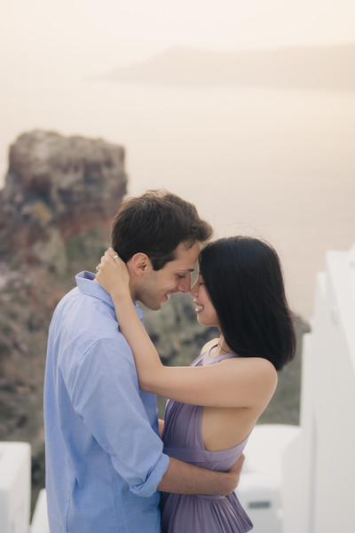 Santorini-photo-session-greece-engagement-shoot-love-story-003.jpg