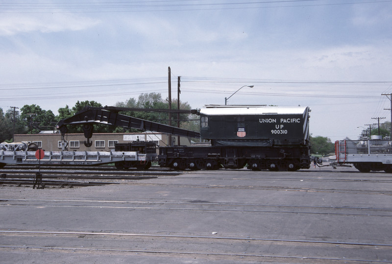 up_derrick_900310_side_salt-lake-city_30-may-1984_don-strack-photo.jpg