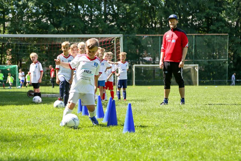 hsv_fussballschule-370_48047996198_o.jpg