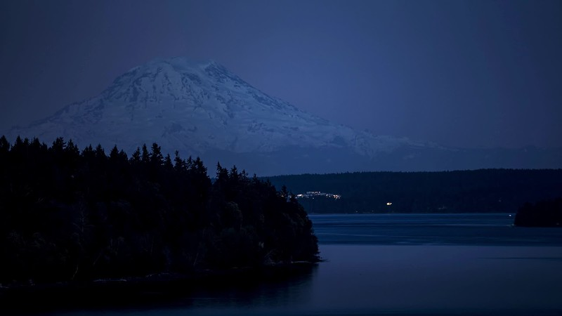 Mt. Rainier Supermoon