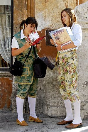 PRETTY WOMEN OF ITALY