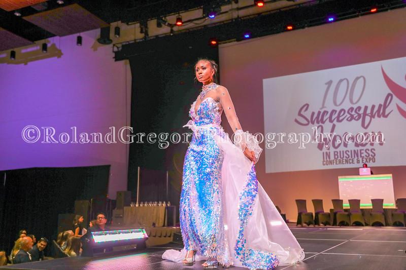 100 Womens Fashion show2019-3460.jpg