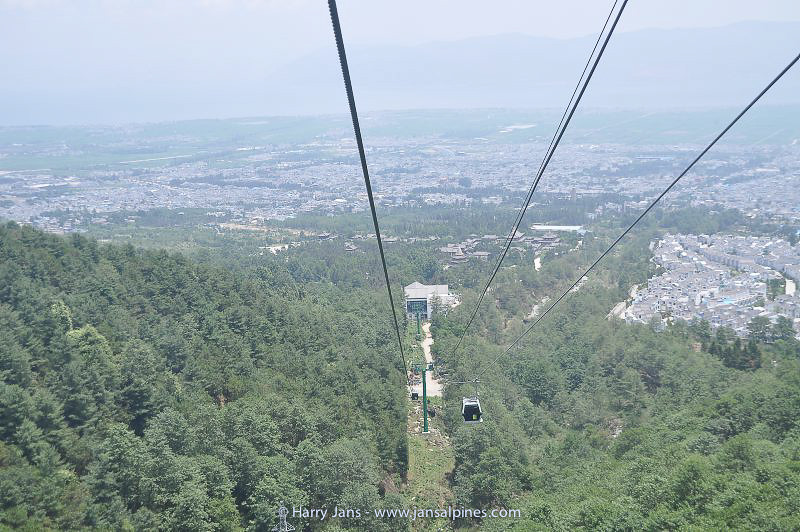 cable car to top Cang Shan