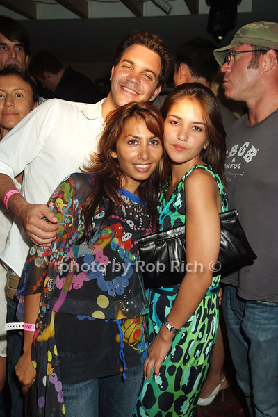 candid photo by Rob Rich © 2008 516-676-3939 robwayne1@aol.com