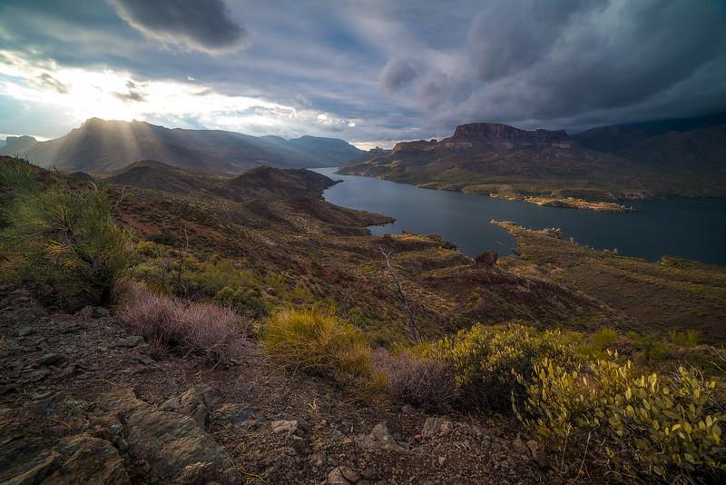 sun rays apache lake.JPG