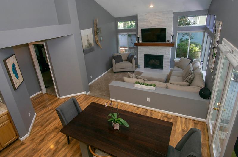 livingroom wide a.jpg