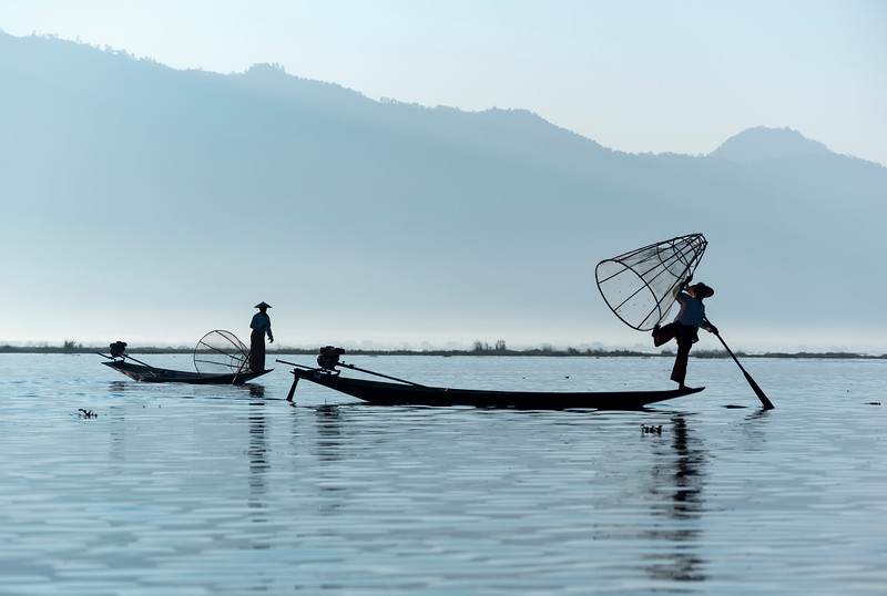 Intha fishermen with traditional conical fishing net, Inle Lake, Burma (Myanmar)