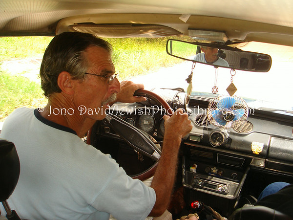 CUBA, Caibarien. Julito Rodrigues Eli, his home and family. (2008)