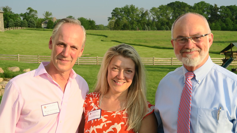 Wade McDevitt '82, Wendy McDevitt, and Headmaster Ken LaRocque P'01, '10