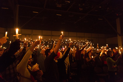 Blue Oaks 2017 Christmas Candlelight Services