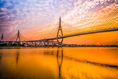 Sunset on Bhumibol bridge