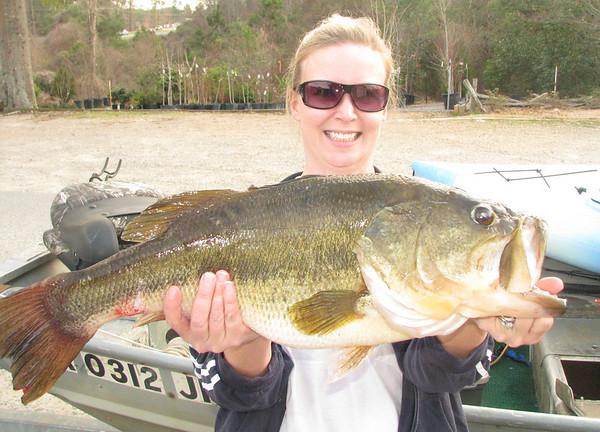 2/8/09 Kim's 10lb Bass Across The Creek Pond