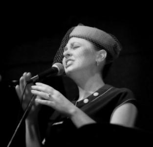 2006-01-29 Tera Johnson singing